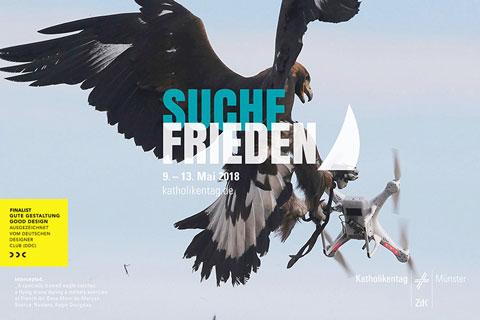 Plakat 101. Katholikentag Adler fängt Drohne
